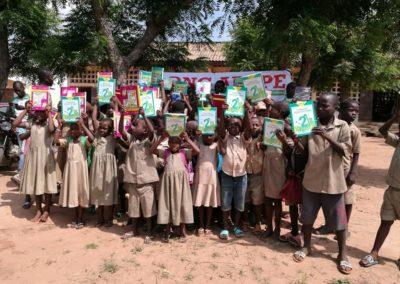 Distribution de kits scolaires à l'EPP Badjenopé